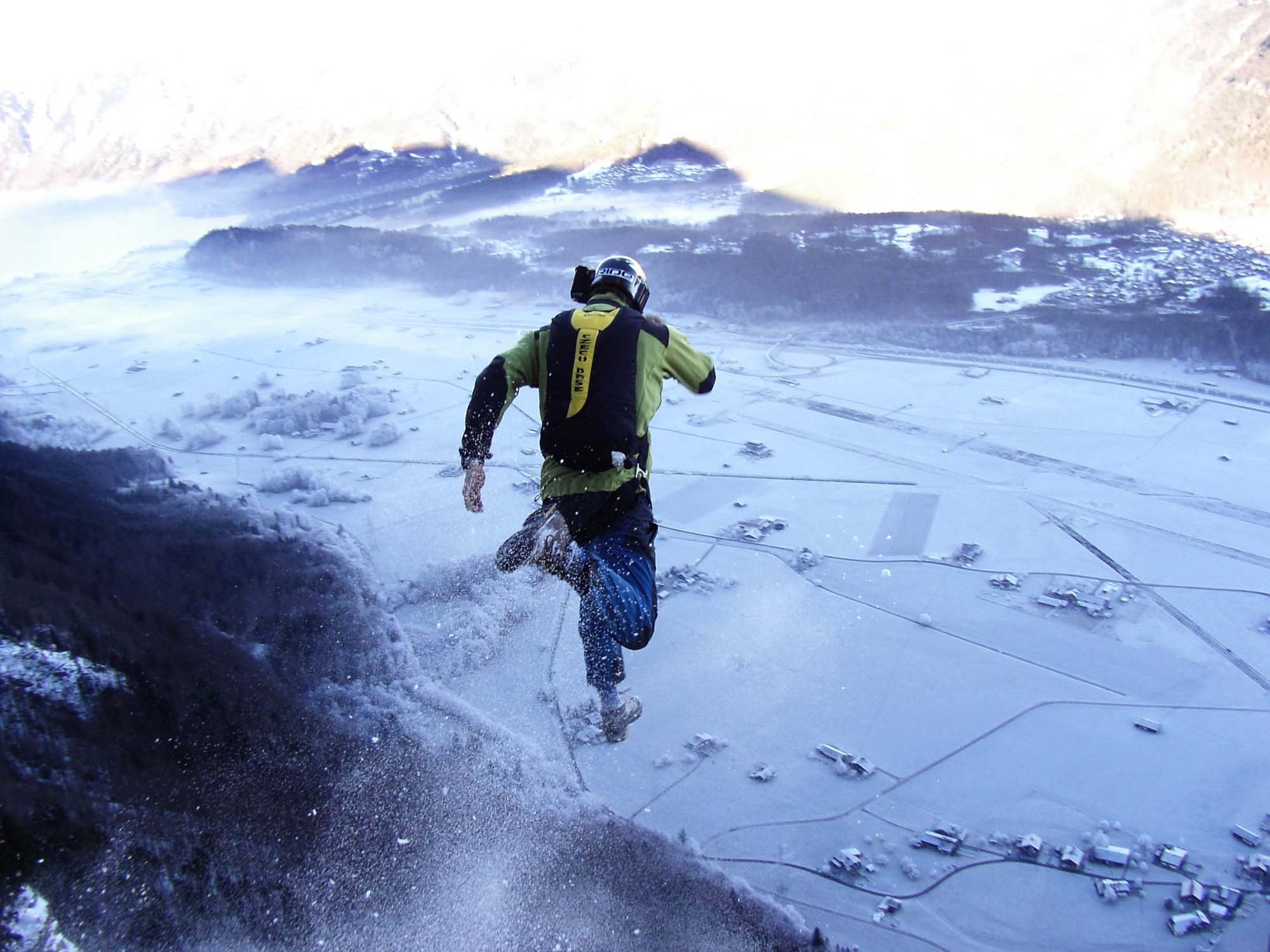 base jumping jump fly flight extreme dive diving sky (8)