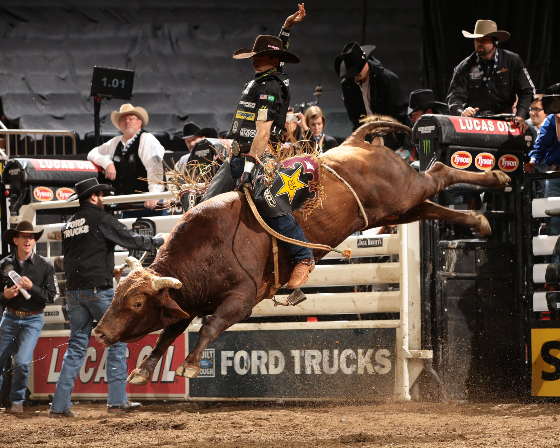 bull riding bullrider rodeo western cowboy extreme cow (12)_JPG