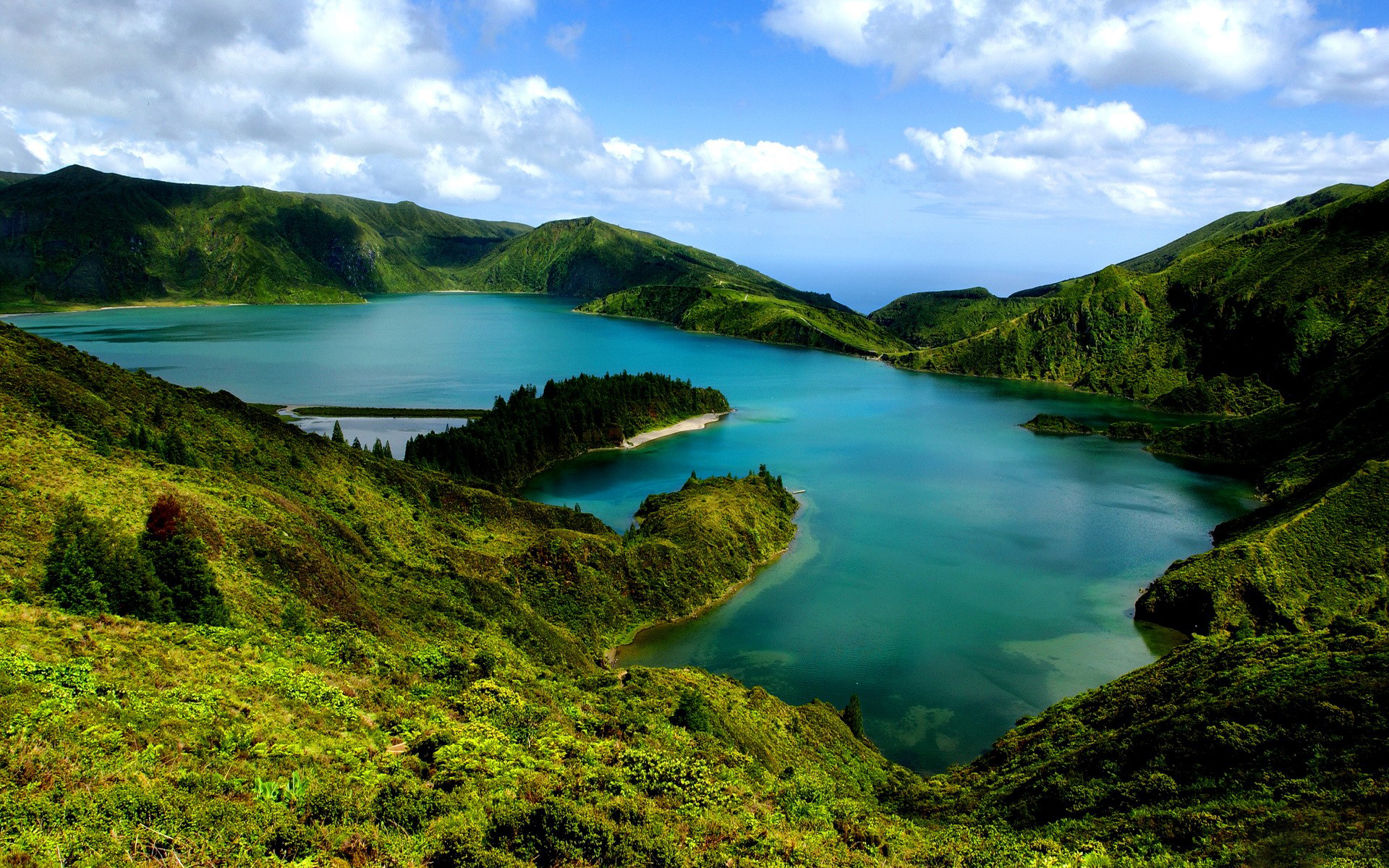 nature landscapes lakes mountains green water sky clouds
