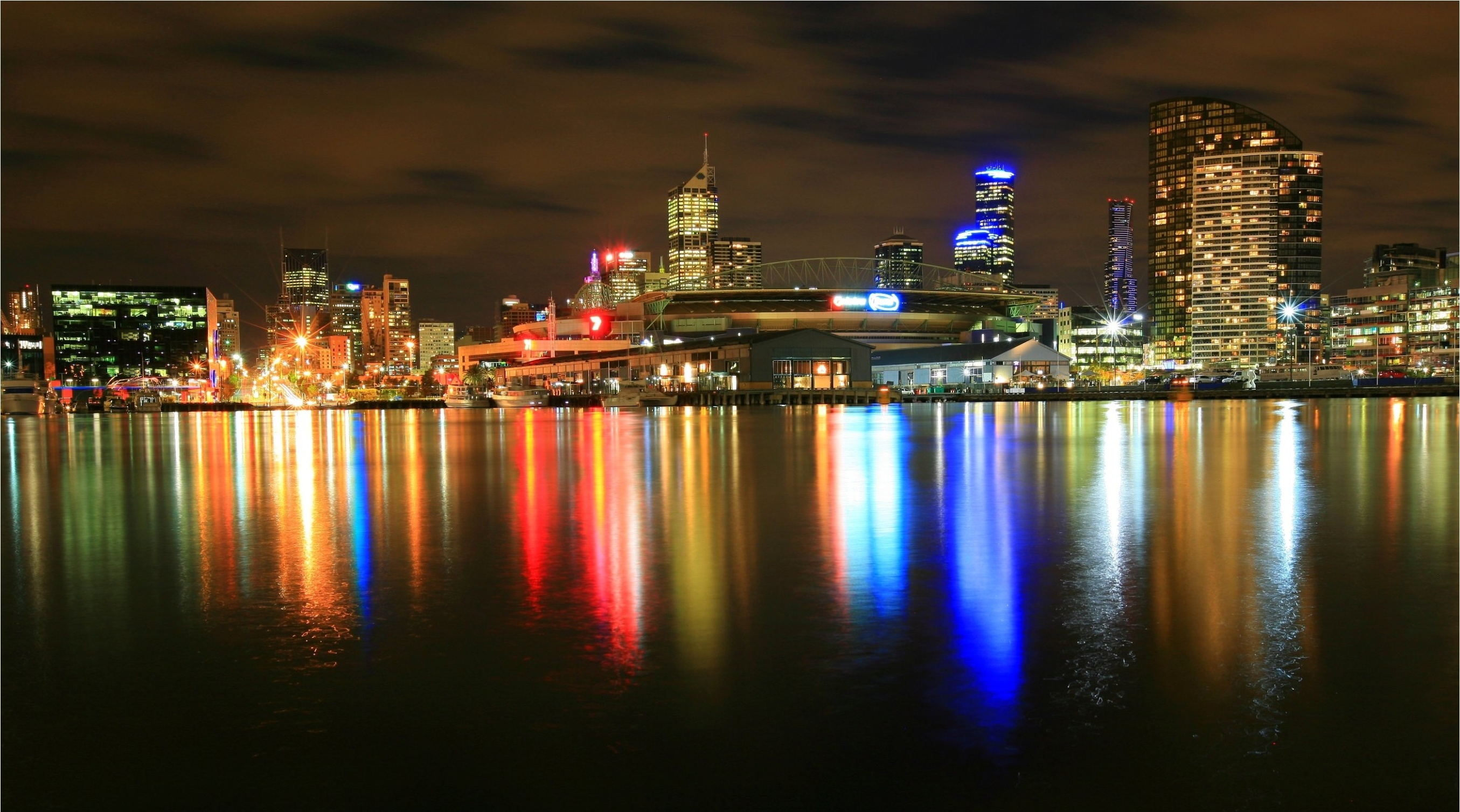 Newquay Docklands Melbourne reflection     g