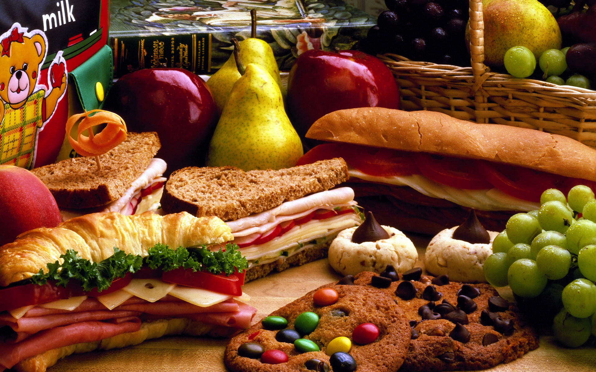sandwiches food cookies bread grapes pears apples