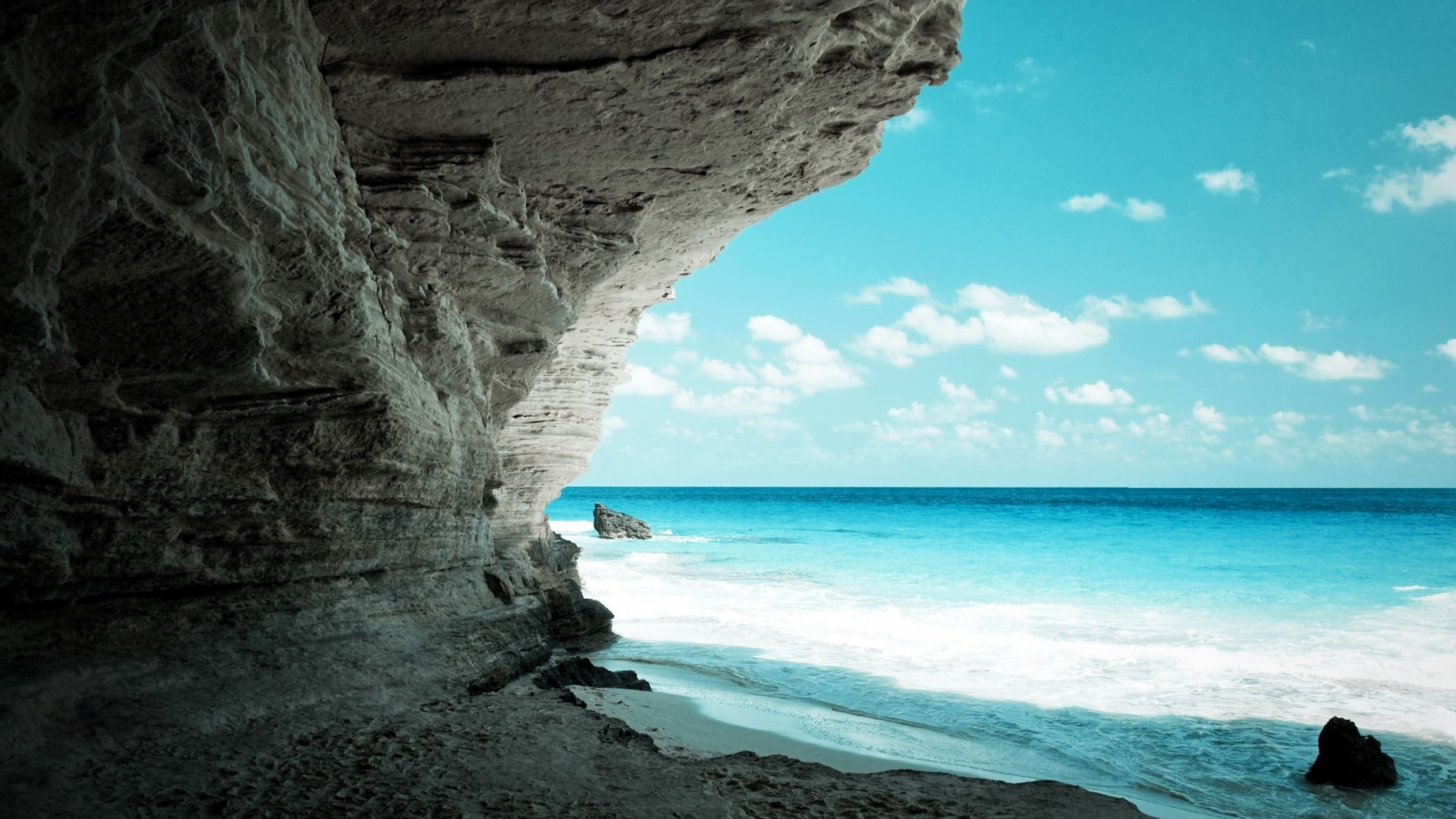 Sea in the cave