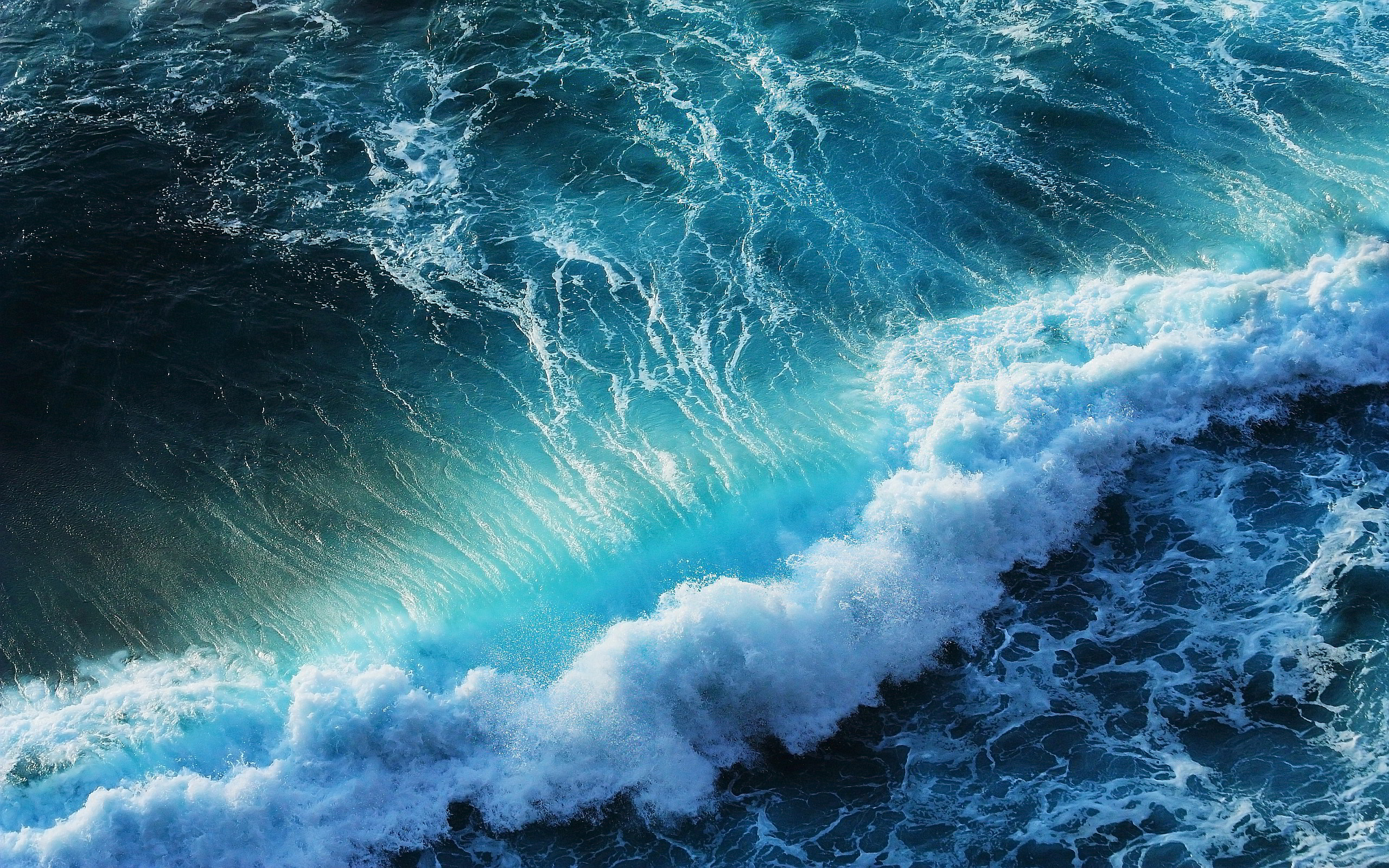 Sea Waves Images