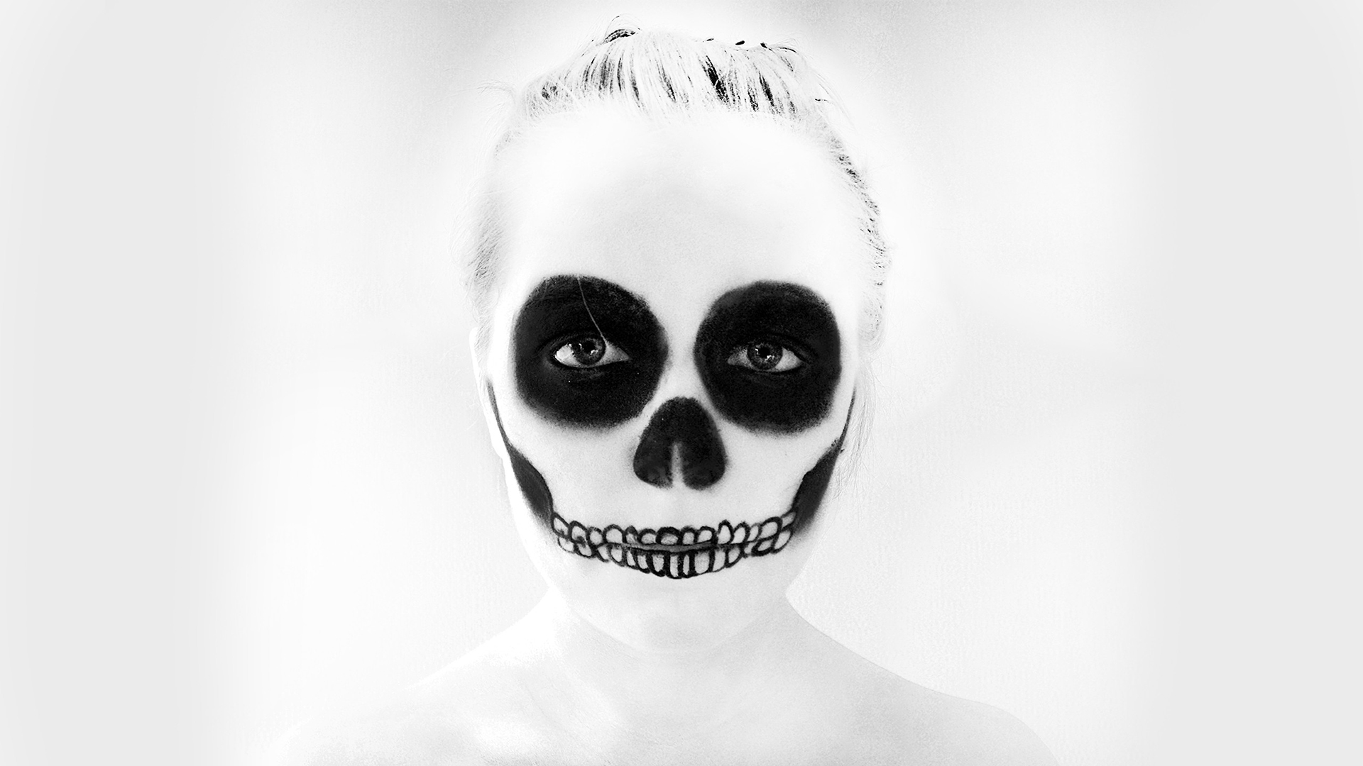 Skull Makeup B-W Face dark skulls halloween