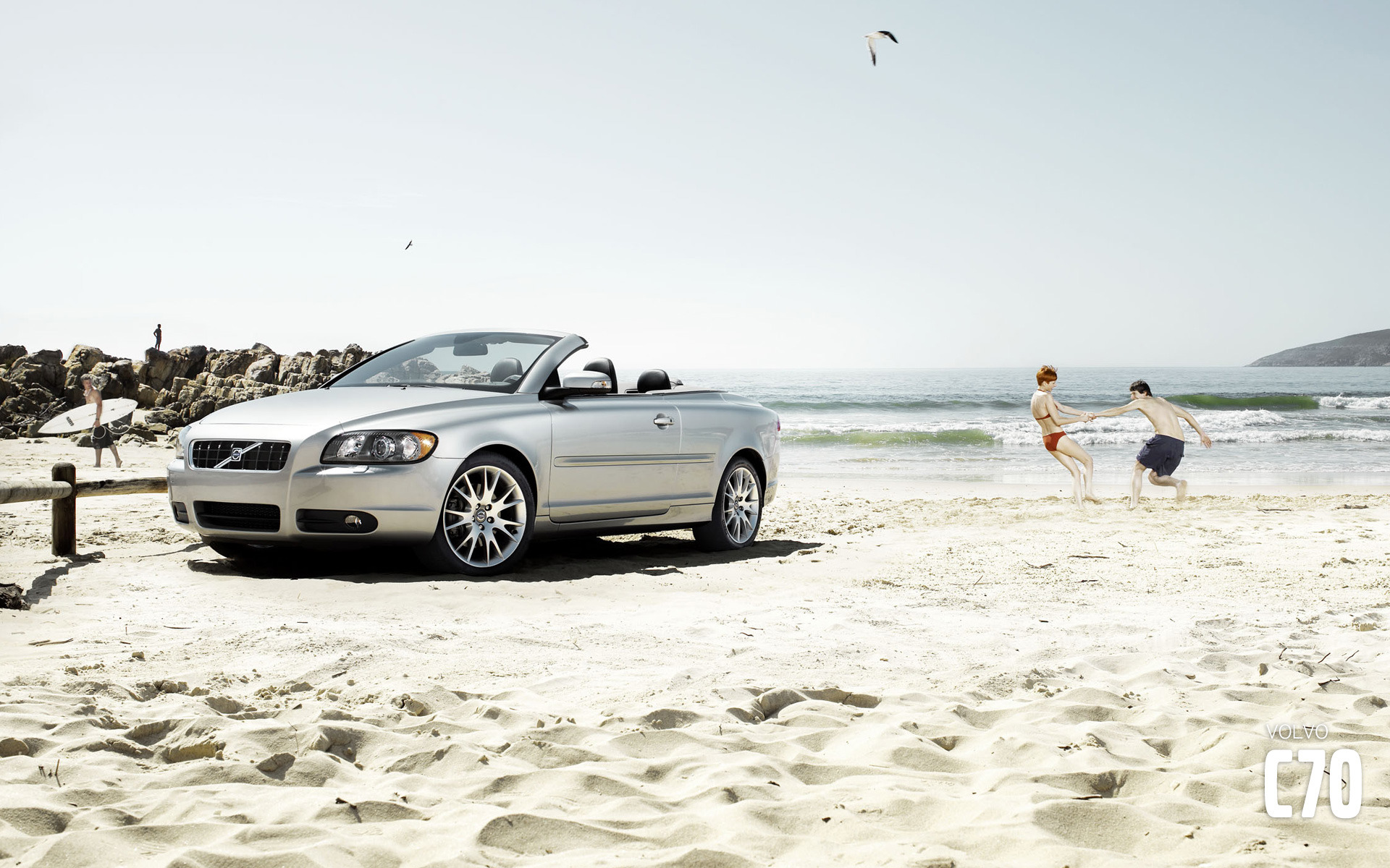 Volvo C70 in the sand